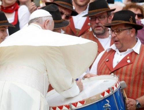 البابا فرنسيس: الفرح ميزة مَن يحمل البشارة